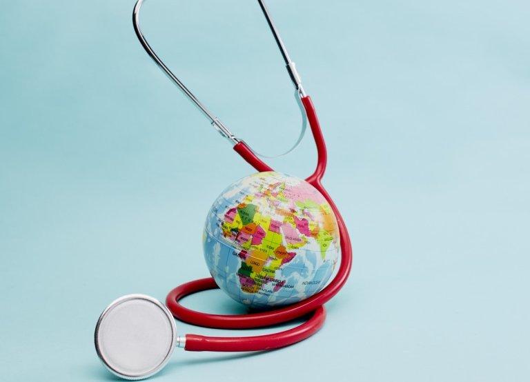 35907791-red-stethoscope-on-bright-pastel-blue-background.jpg