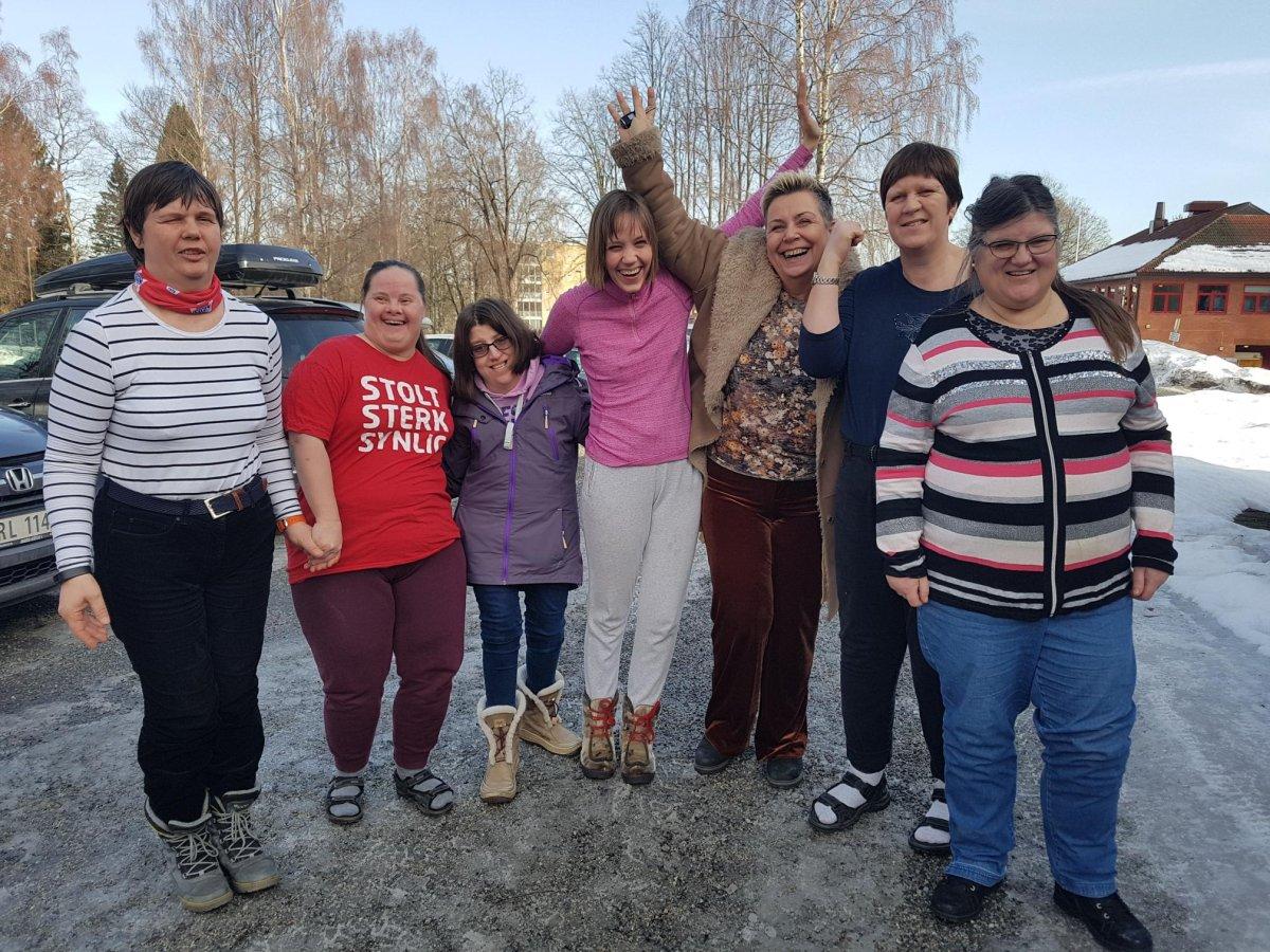 Mange viktige innspill har kommet fra medlemmer i fokusgruppene, her representert ved (fra venstre): Tove Kjevik, Cora Galucio, Marlene Arlo, Frøydis Jacobsen, Elisabeth Antonsen (tilrettelegger), Merete Bjørke,  Gro Sjønnesen. Fotograf og tilrettelegger: Lars Ole Bolneset.